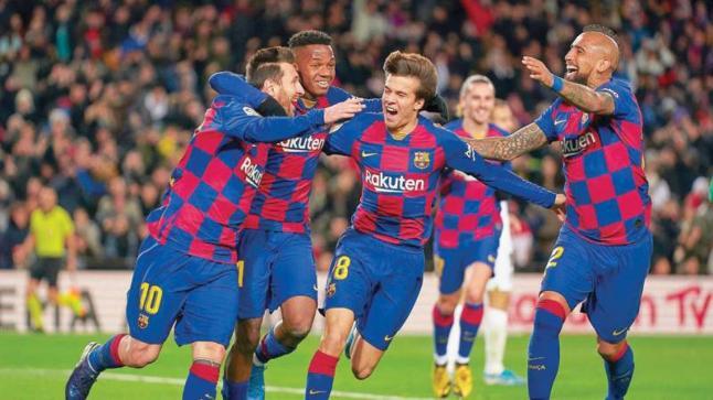 لاعب برشلونة يقترب من الرحيل عن الفريق