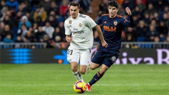 إشبيلية يعلن اهتمامه بضم ريجيلون من ريال مدريد