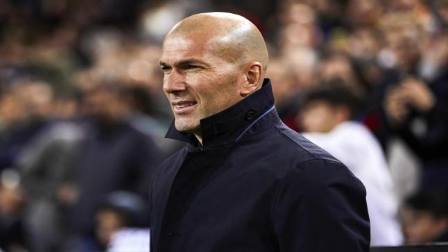 زيدان: أهدي الدوري الإسباني لرئيس ريال مدريد لأنه سبب تواجدي